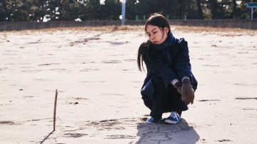 On the Beach at night alone by Hong Sang-soo 2